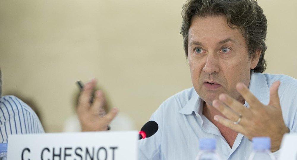 Christian Chesnot, discutant sur les décisions de la France sur la Syrie