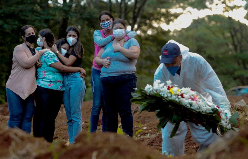 Epidémie de Covid-19 : pourquoi le Brésil n'envisage toujours pas le confinement